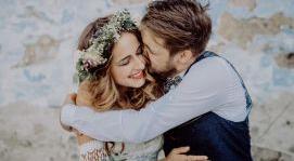 Ngày tốt nhận giấy chứng nhận kết hôn tháng 4 năm 2020