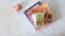 Bói bài Tarot vận tình cảm tháng 8: Góc yêu mới từ The emperor